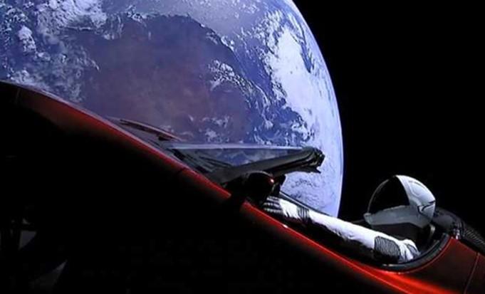 La campaña SpaceX que lleva un Tesla Roadster
